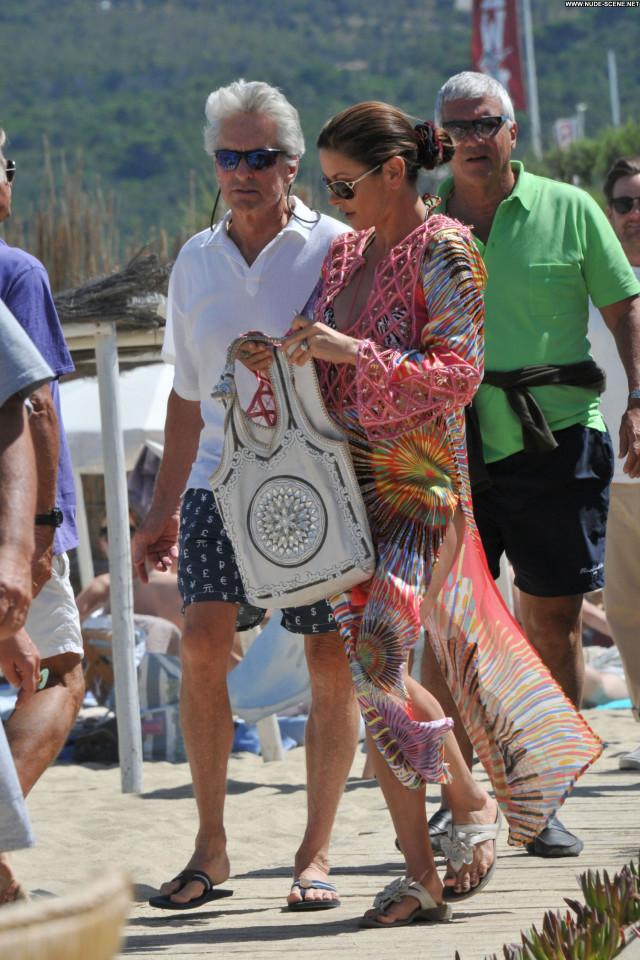 Catherine Zeta Jones Vacation Posing Hot Saint Tropez Club Husband