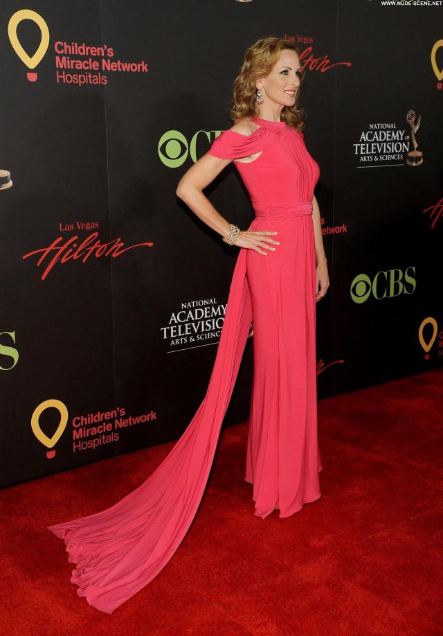 Marlee Matlin Emmy Awards Beautiful Posing Hot Awards Celebrity High
