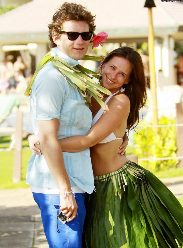 Jennifer Love Hewitt Vacation Babe High Resolution Beautiful