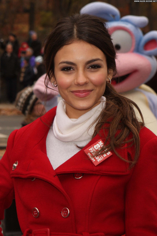 Victoria Justice New York Celebrity Posing Hot Babe High Resolution