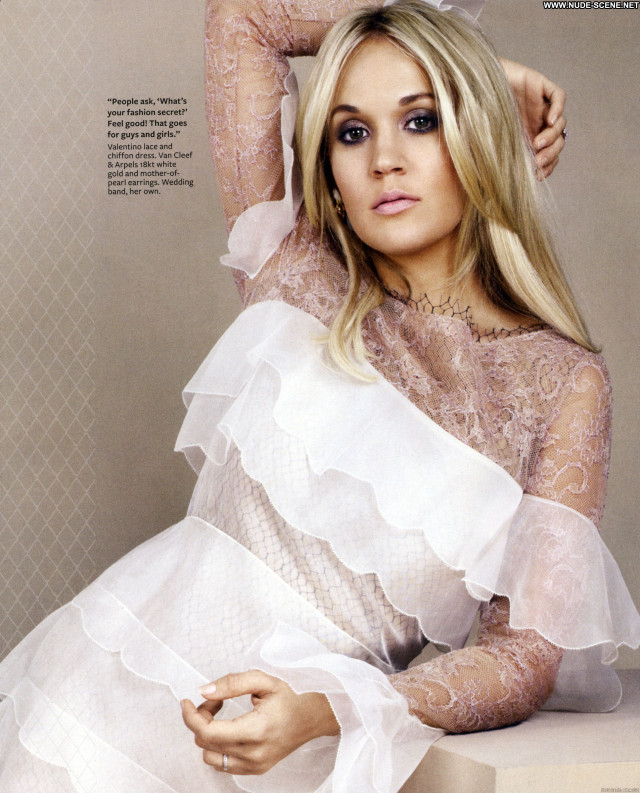 Carrie Underwood Magazine Magazine Posing Hot Babe Beautiful Celebrity