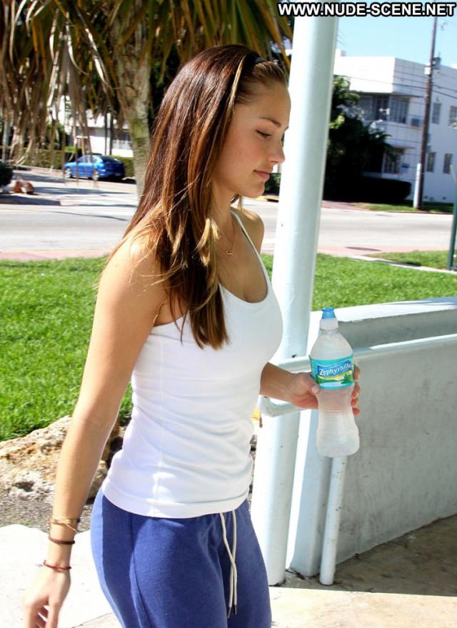 Minka Kelly Charlie S Angels  Beautiful Movie Celebrity Babe Posing