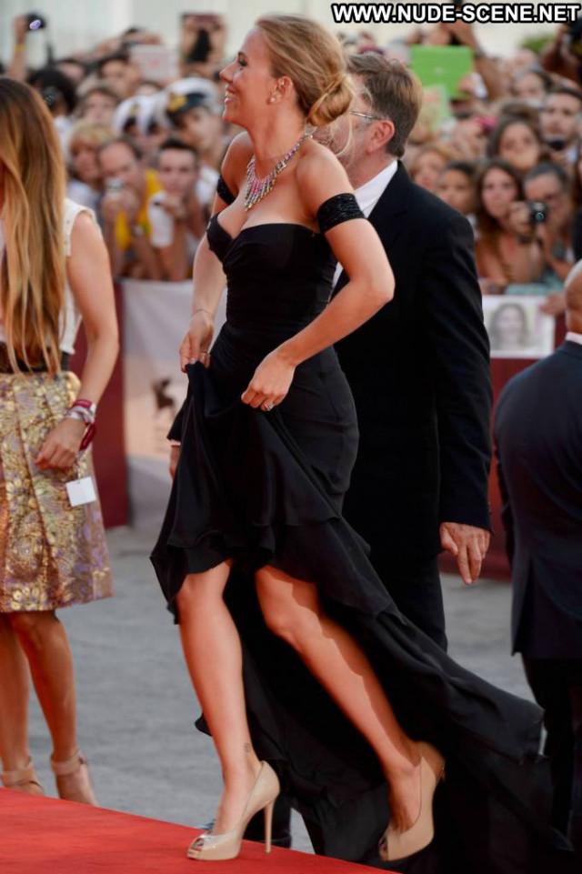 Scarlett Johansson Under The Skin  Babe Gorgeous Usa Cleavage