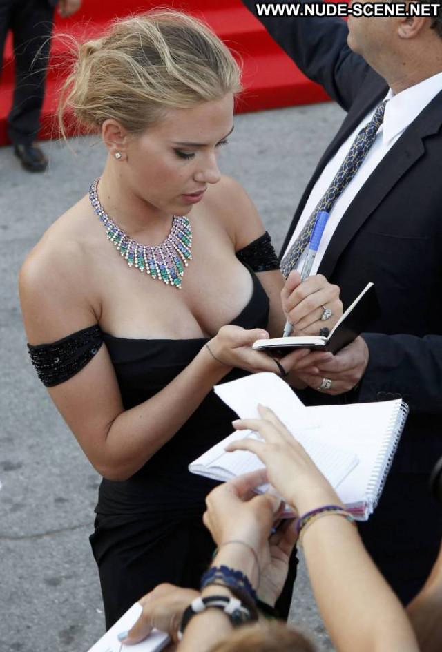 Scarlett Johansson Under The Skin Babe Movie Celebrity Beautiful