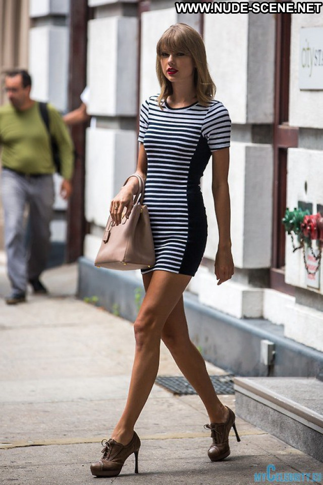 Taylor Swift No Source  Celebrity Posing Hot Legs Long Legs Sexy Babe