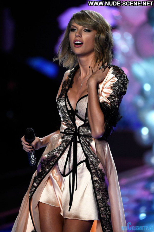 Taylor Swift Victorias Secret  Usa Babe Fashion Beautiful Celebrity