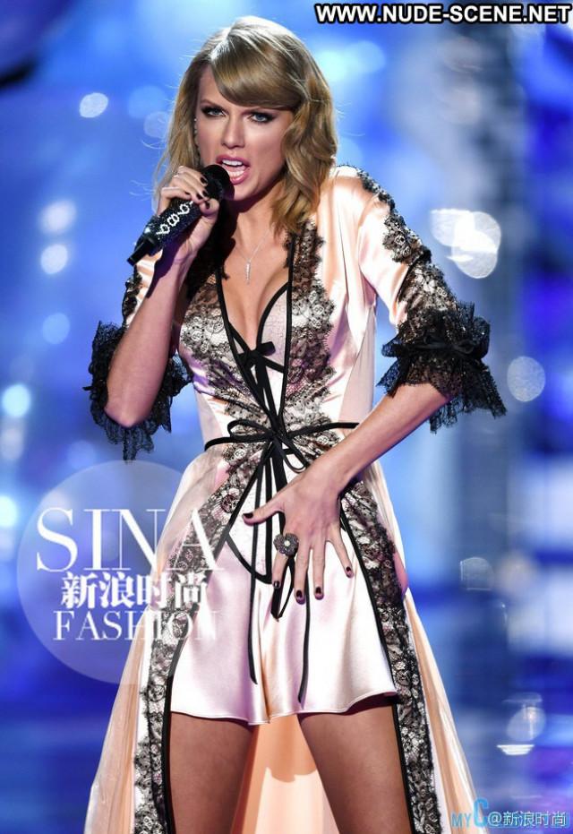 Taylor Swift Victorias Secret Beautiful Posing Hot Babe Fashion