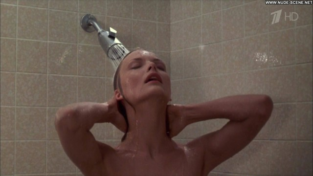 Michelle Pfeiffer Into The Night Celebrity Movie Shower Hot