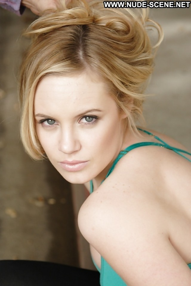 Danielle Savre Pictures Babe Celebrity