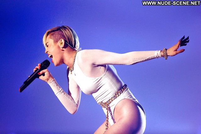 Miley Cyrus Pictures Camel Toe Celebrity Sexy Teen
