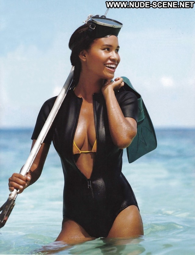 Joy Bryant Pictures Sea Celebrity Sexy Ebony Hot